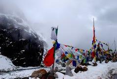 Bandiere tibetane in Himalaya Immagine Stock Libera da Diritti