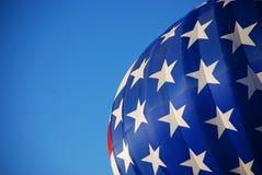 Bandierina degli S.U.A. dell'aerostato di aria calda bande nessun ma (delle stelle) Fotografie Stock