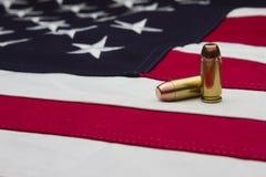 Bandierina degli Stati Uniti e due richiami Immagini Stock Libere da Diritti