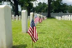Bandierina del cimitero nazionale Fotografie Stock Libere da Diritti