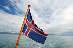 Bandierina dell'Islanda con la nube Fotografia Stock Libera da Diritti