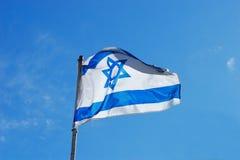 Bandierina dell'Israele che fluttua nel vento Immagine Stock Libera da Diritti