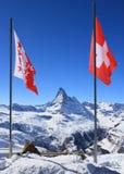 Bandierina della Svizzera sulla vetta Fotografie Stock Libere da Diritti