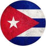 Bandierina di Grunge Cuba Bandiera cubana del bottone isolata su fondo bianco royalty illustrazione gratis