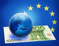 Bandierina e globo uniti dell'Europa oltre l'euro 100 Fotografia Stock