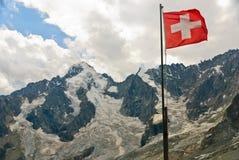 Bandierina svizzera con il ghiacciaio di Dolent in alpi svizzere Immagine Stock Libera da Diritti