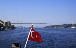 Bandierina turca su Bosphorus Fotografia Stock Libera da Diritti