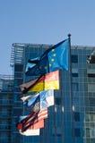 Bandierine d'ondeggiamento di Unione Europea Fotografia Stock