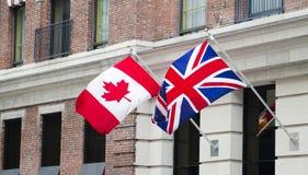 Bandierine del Canada Gran-Bretagna Fotografia Stock Libera da Diritti