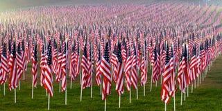 Bandierine nei campi curativi per 9/11 Immagine Stock Libera da Diritti