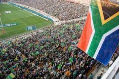 Bandierine sudafricane ad un gioco di rugby Immagini Stock Libere da Diritti