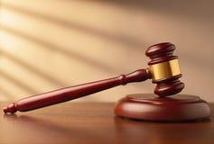 Banditore o martelletto di legno dei giudici Fotografia Stock Libera da Diritti