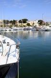 Bandol小游艇船坞和村庄在法国 免版税库存图片