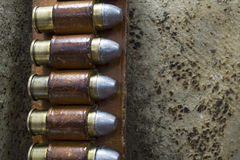 Bandolier de couro ocidental velho com as balas do potro 45 Imagens de Stock