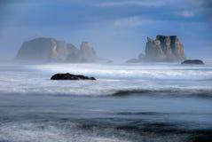 Bandon Strand Seastacks Lizenzfreies Stockbild