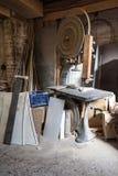 Bandsaw w joiner warsztacie zdjęcia stock