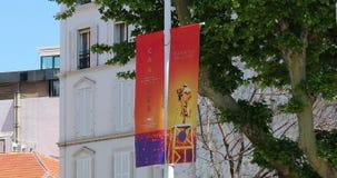 Baner som annonserar den 72nd Cannes filmfestivalen 2019 lager videofilmer