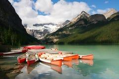 banff独木舟码头Lake Louise国家公园 免版税库存照片