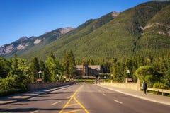 Banff aleja i parka Kanada administraci budynek w Kaskadowych ogródach obraz stock