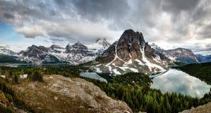 Banff montering Assiniboine Kanada Fotografering för Bildbyråer