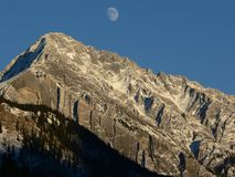 banff moonrise Arkivbilder