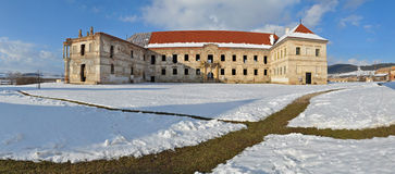 banffy bontida城堡全景罗马尼亚 免版税库存图片