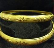 Bangales dourados foto de stock royalty free