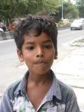 Bangalore, Karnataka India, Kwietnia 26 2018 młoda Indiańska chłopiec portret, - Obrazy Royalty Free