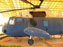 Bangalore, Karnataka, Indien - 1. Januar 2009 Hubschrauber Sea Kings M 42 benutzt für Antiunterwasserkriegsführung stockfotos