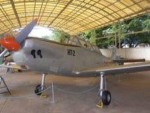 Bangalore Karnataka, Indien - Januari 1, 2009 flygplan för Hindustan instruktör HT-2 på HAL Aerospace Museum fotografering för bildbyråer