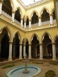 Bangalore Karnataka, Indien - Januari 1, 2009 Maharani's borggård på den Bangalore slotten Fotografering för Bildbyråer