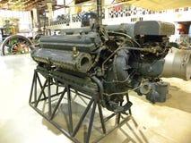 Bangalore Karnataka, Indien - September 5, 2009 delad upp flygplanmotor, 12 cylinder, motor för v-typflygplan Arkivbilder