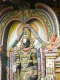 Bangalore Karnataka, Indien - September 5, 2009 färgrik skulptur av Lord Venkateswara Royaltyfri Bild