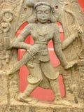 Bangalore Karnataka, Indien - September 8, 2009 forntida stenskulptur av Lord Vishnu på det regerings- museet Arkivfoton
