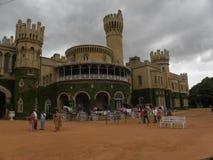Bangalore, Karnataka, la India - 1 de enero de 2009 el palacio de Bangalore era un palacio del Maharajá de Mysore fotos de archivo libres de regalías