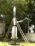 Bangalore, Karnataka, la India - 1 de enero de 2009 modelo del vehículo de lanzamiento por satélite de GSLV imagen de archivo