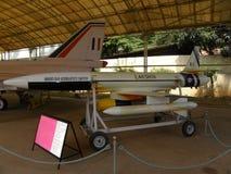 Bangalore, Karnataka, la India - 1 de enero de 2009 piloto de Lakshya menos abejón de los aviones de blanco en HAL Aerospace Muse foto de archivo
