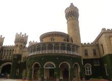 Bangalore, Karnataka, la India - 23 de noviembre de 2018 fachada del palacio de Bangalore imagen de archivo
