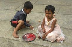 Bangalore, Karnataka, la India - 23 de noviembre de 2018 niños indios jovenes fotografía de archivo libre de regalías