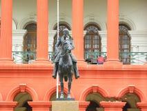 Bangalore, Karnataka, la India - 5 de septiembre de 2009 estatua de Mark Cubbon en Attara Kacheri, tribunal superior de Karnataka fotos de archivo libres de regalías