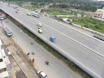 Bangalore, Karnataka, la India - 3 de septiembre de 2009 visión aérea de la ciudad de Bangalore del paso elevado de seda del tabl imagen de archivo
