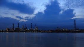 Bangchak Petroleum rafineria ropy naftowej obok Chao Phraya rzeki zbiory wideo