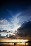 Bangka philippin de bateau au coucher du soleil Photographie stock libre de droits