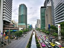 Bangko Sathon路是穿过Sathon区在中心城市的一条主要公路 免版税图库摄影