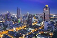 Stads- stadshorisont för natt, Bangkok, Thailand Arkivfoto