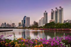 Modern stads- stad, Bangkok, Thailand Royaltyfria Foton