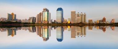 Modern stads- stad, Bangkok, Thailand Royaltyfri Bild