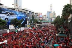 BANGKOK - 19 NOVEMBRE : Protestation rouge de chemises Images libres de droits