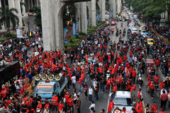 BANGKOK - 19 NOVEMBRE : Protestation rouge de chemises - Thaïlande Photo stock