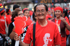 BANGKOK - 19 NOVEMBRE : Protestation rouge de chemises - Thaïlande Photos stock